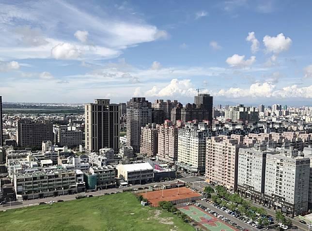 ▲台南安平五期重劃區建案多,房價又相對親民。(圖/信義房屋提供)