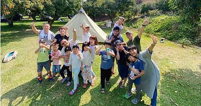 懶人露營正流行!帳篷幫你準備好 帶著一家大小一起體驗戶外放風趣